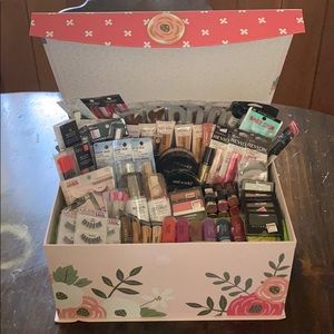 Other - Makeup Kit